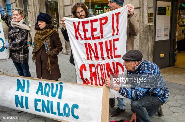 Several demonstrators seen with banners in favour of renewable energies Coinciding with the Summit in Paris One Planet organized by Emmanuel Macron a...