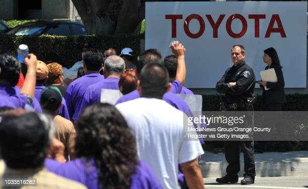 TORRANCE 07/09/09 Several hundred union members from the Service Employees International Union local 1877 march around the perimeter of the Toyota...