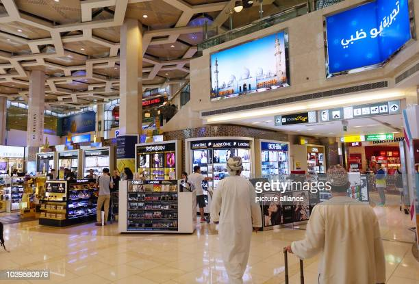 Several stores in the duty free area at the Abu Dhabi airport in Abu Dhabi, United Arab Emirates, 26 August 2015. Photo:Jens Kalaene | usage...