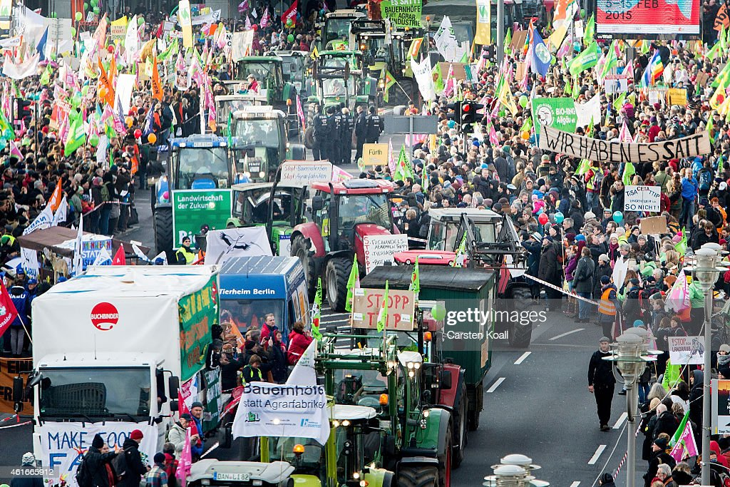 Farmers Protest TTIP and Industrial Agriculture : Fotografía de noticias