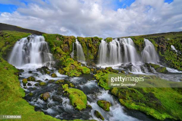 several waterfalls in grassy land - rainer grosskopf photos et images de collection