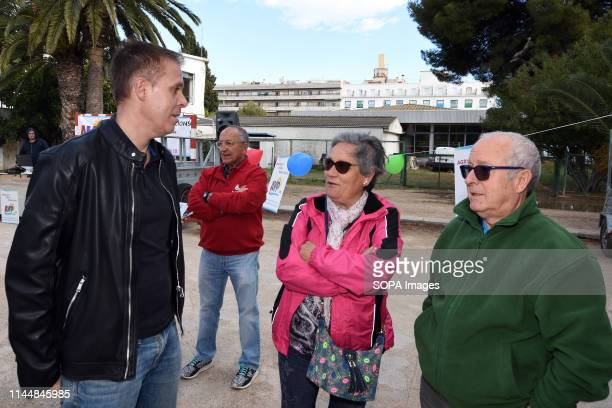 EL VENDRELL TARRAGONA SPAIN Severiano Matamoros candidate for the Neighbourhood Association of the beach seen talking to neighbours about future...