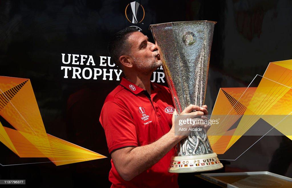 ESP: UEL Trophy Tour Driven by Kia Visits Seville - Day 2