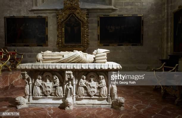 sevilla's cathedral, sarcophagus pontifical in the capilla de san hermenegildo, saint hermenegilde-chapel, tomb of cardinal cervantes - sarcophagus stock pictures, royalty-free photos & images