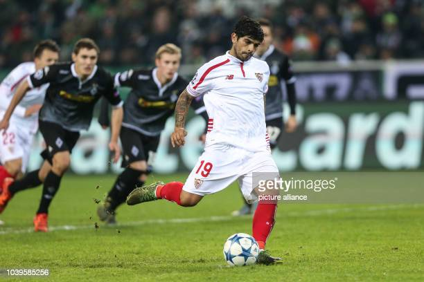 Sevilla's Ever Banega in action during the Champions League soccer match between Borussia Moenchengladbach and Sevilla FC in Borussia Park in...