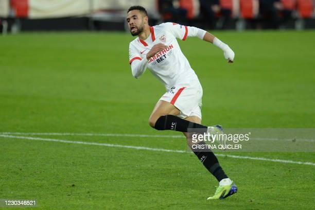 Sevilla's Moroccan forward Youssef En-Nesyri celebrates after scoring a goal during the Spanish League football match between Sevilla and Villarreal...