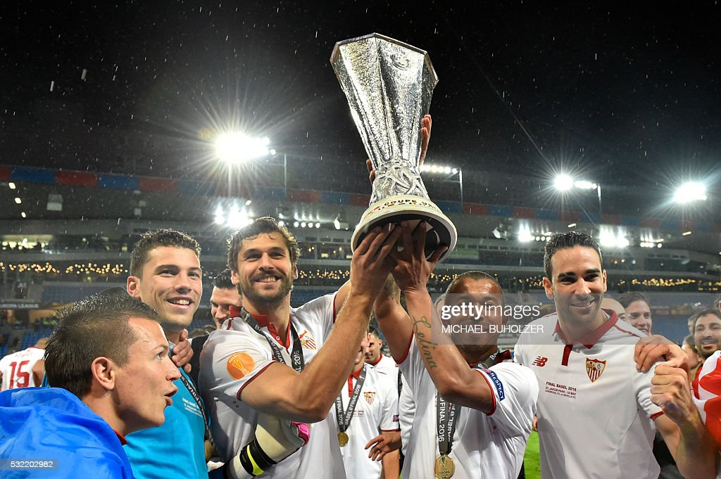 FBL-EUR-C3-LIVERPOOL-SEVILLA : News Photo