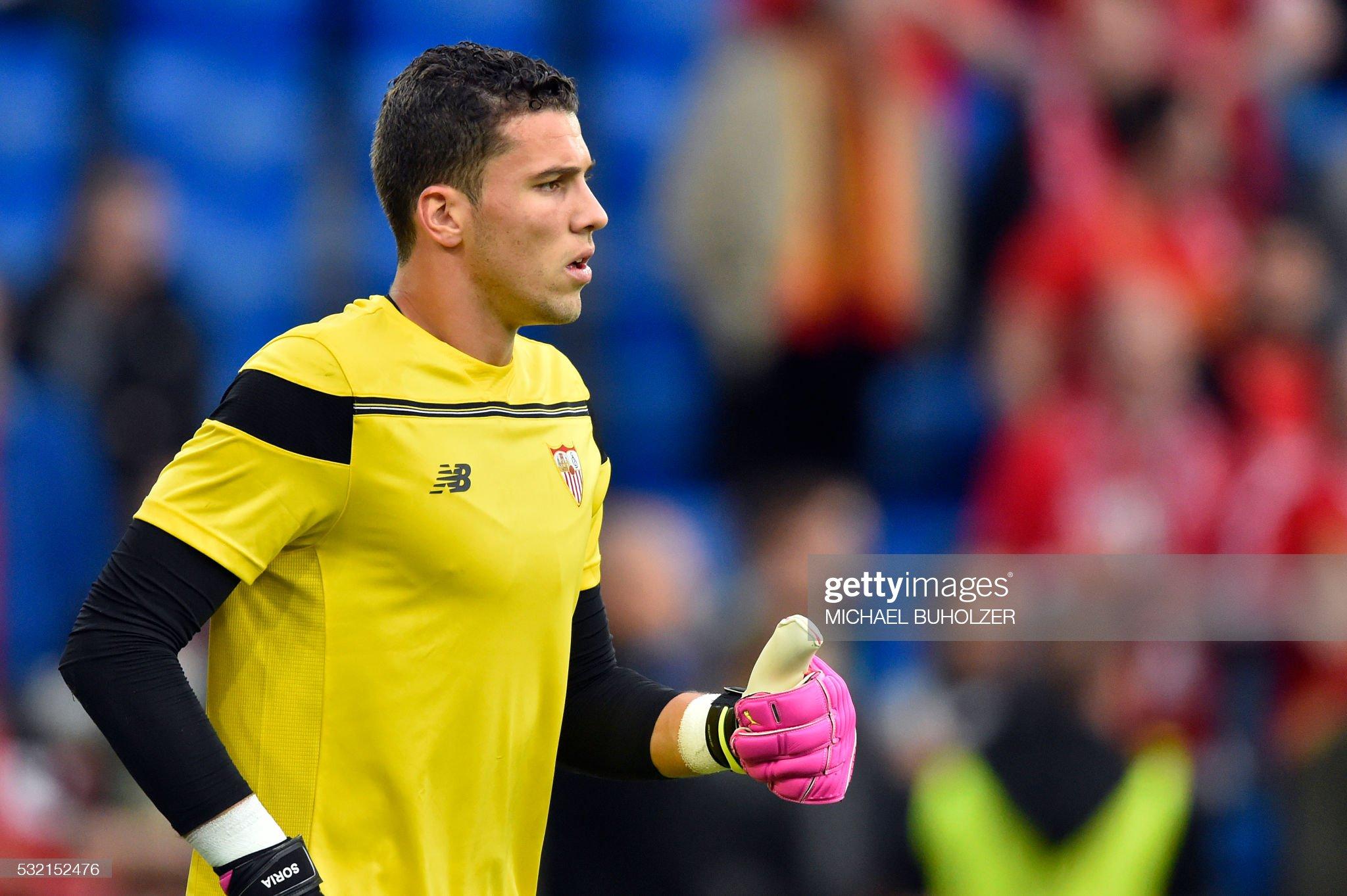 [Imagen: sevillas-spanish-goalkeeper-david-soria-...=2048x2048]