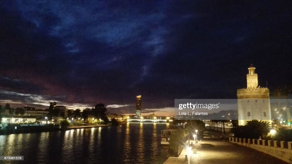 Seville cityscape at night : Foto de stock