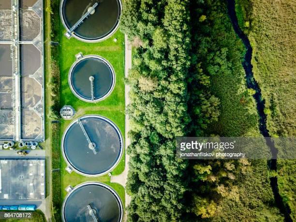 sewage treatment plant - águas residuais imagens e fotografias de stock