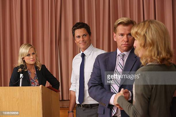 RECREATION 'Sex Education' Episode 504 Pictured Amy Poehler as Leslie Knope Rob Lowe as Chris Traeger Todd Sherry as Marshall Langman