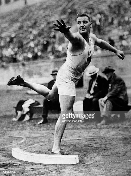 Sexton Leo Joseph Athlete USA * shot putter at the 1932 Summer Olympics Los Angeles 1932 Photographer Sennecke Published by 'Berliner Morgenpost'...