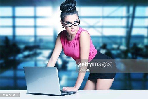 sexy sekretarinnen youtube