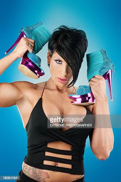 sexy mädchen mit high heels - junge frau allein stock-fotos und bilder