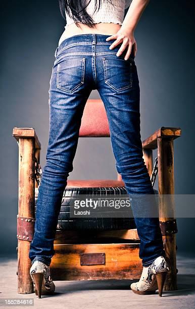 sexy pernas - calças justas - fotografias e filmes do acervo