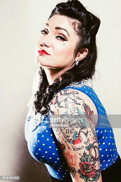 sexy pin-up girl - rockabilly photos et images de collection
