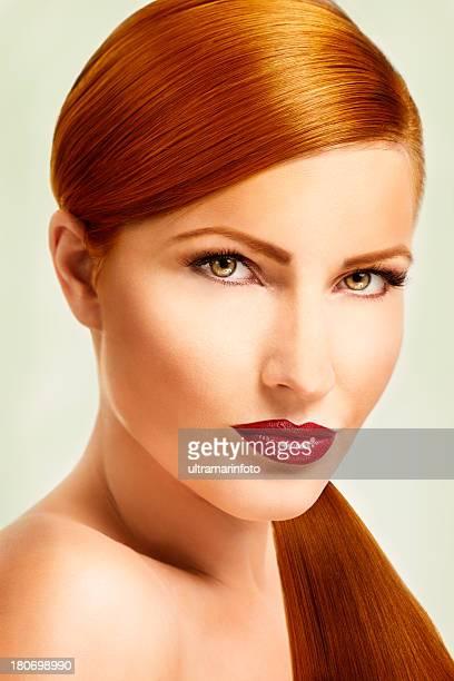 sexy cabelo ruivo - cabelo pintado de vermelho - fotografias e filmes do acervo