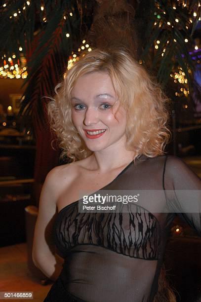Sexy Tänzerin TableDanceClub BeverlyBar Bremen Deutschland Europa Erotik erotisch durchsichtiges schwarzes NetzTop Lingerie Dessous Lokal Tabledance...