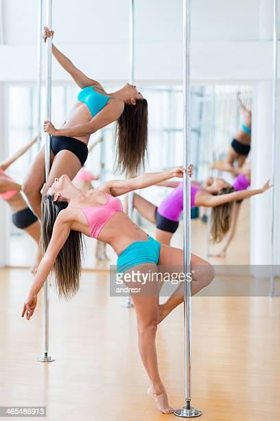 Femme danse pole Sexy
