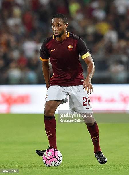 Seydou Keita of AS Roma in action during the preseason friendly match between AS Roma and Sevilla FC at Olimpico Stadium on August 14 2015 in Rome...