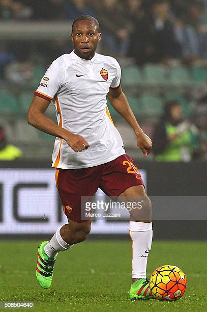 Seydou Keita of AS Roma in action during the Serie A match between US Sassuolo Calcio and AS Roma at Mapei Stadium Città del Tricolore on February 2...