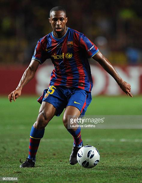 Seydou Keita of Barcelona in action during the UEFA Super Cup Final between FC Barcelona and Shakhtar Donetsk at The Stade Louis II Stadium on August...