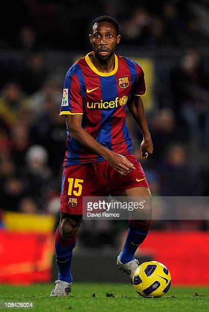 Seydou Keita of Barcelona runs with the ball during the Copa del Rey Semi Final First Leg match between Barcelona and Almeria at Camp Nou on January...