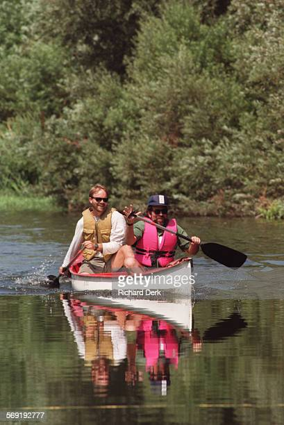 SFCanoe#2Rd9–2–96 Los Angeles River at Sepulveda Dam Recreation Area Several Evironmental Groups staged a canoe race on the L A River to display the...