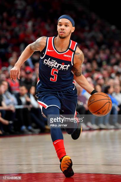 Shabazz Napier of the Washington Wizards brings the ball down the court during the second quarter of the game against the Portland Trail Blazers at...
