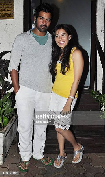 Shabbir Ahluwalia with Kanchi Kaul at Kushal Punjabi's birthday bash at Andheri Mumbai on April 25 2011