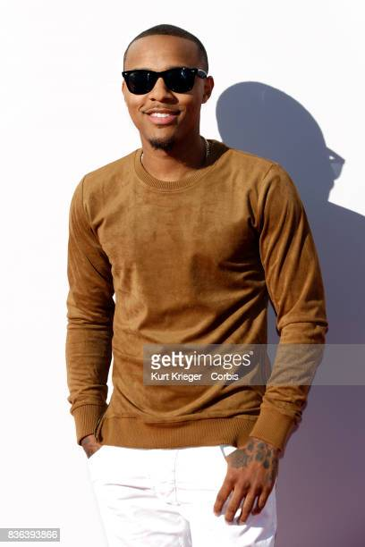 Image has been digitally retouched Shad Moss arrives at the 2015 American Music Awards in Los Angeles California on November 22 2015