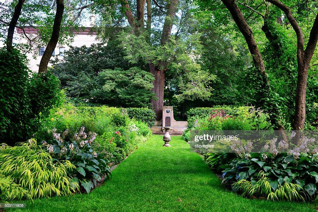 Shade Garden in Evanston, Illinois : Stock Photo