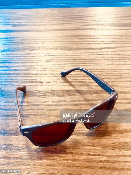 shades - サングラス 無人 ストックフォトと画像