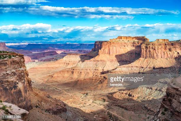 shafer canyon in canyonlands national park utah usa - canyonlands national park stock pictures, royalty-free photos & images