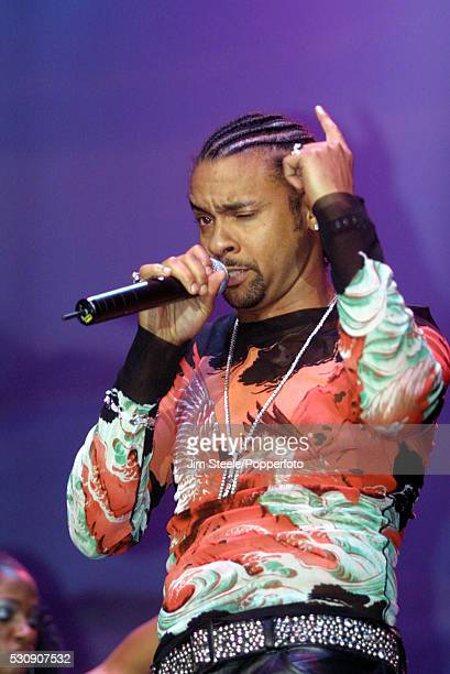 Shaggy performing on stage at Wembley Arena in London on the 18th February, 2002.