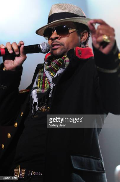Shaggy performs at Hard Rock Live! in the Seminole Hard Rock Hotel & Casino on December 11, 2009 in Hollywood, Florida.