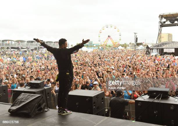Shaggy performs at the Hangout Stage during 2017 Hangout Music Festival on May 21 2017 in Gulf Shores Alabama