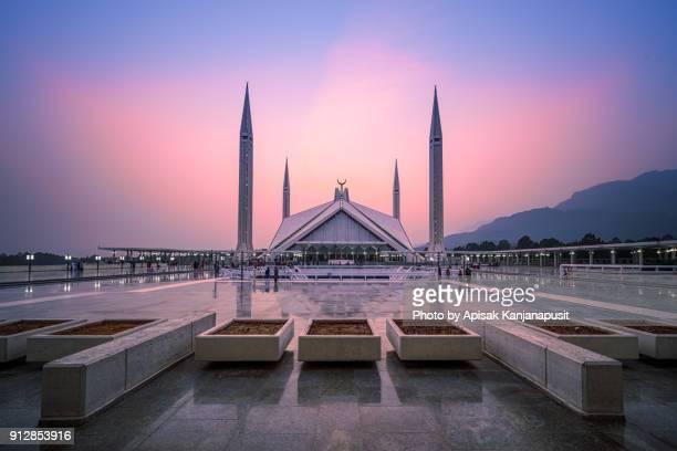 shah faisal masjid , islamabad, pakistan - イスラマバード ストックフォトと画像