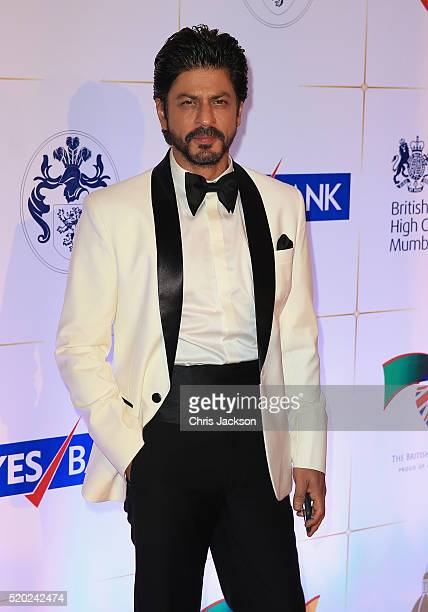 Shah Rukh Khan arrives for a Bollywood Inspired Charity Gala at the Taj Mahal Palace Hotel during the royal visit to India and Bhutan on April 10...