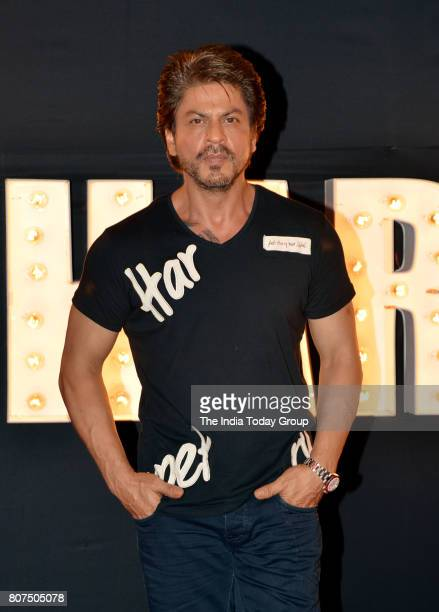 Shah Rukh Khan at the song launch of Beech beech mein from Jab Harry Met Sejalin Mumbai