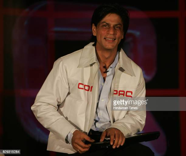 Shahrukh Khan unveils new brand of notebooks and Desktops for Compaq at Taj Land's End Bandra