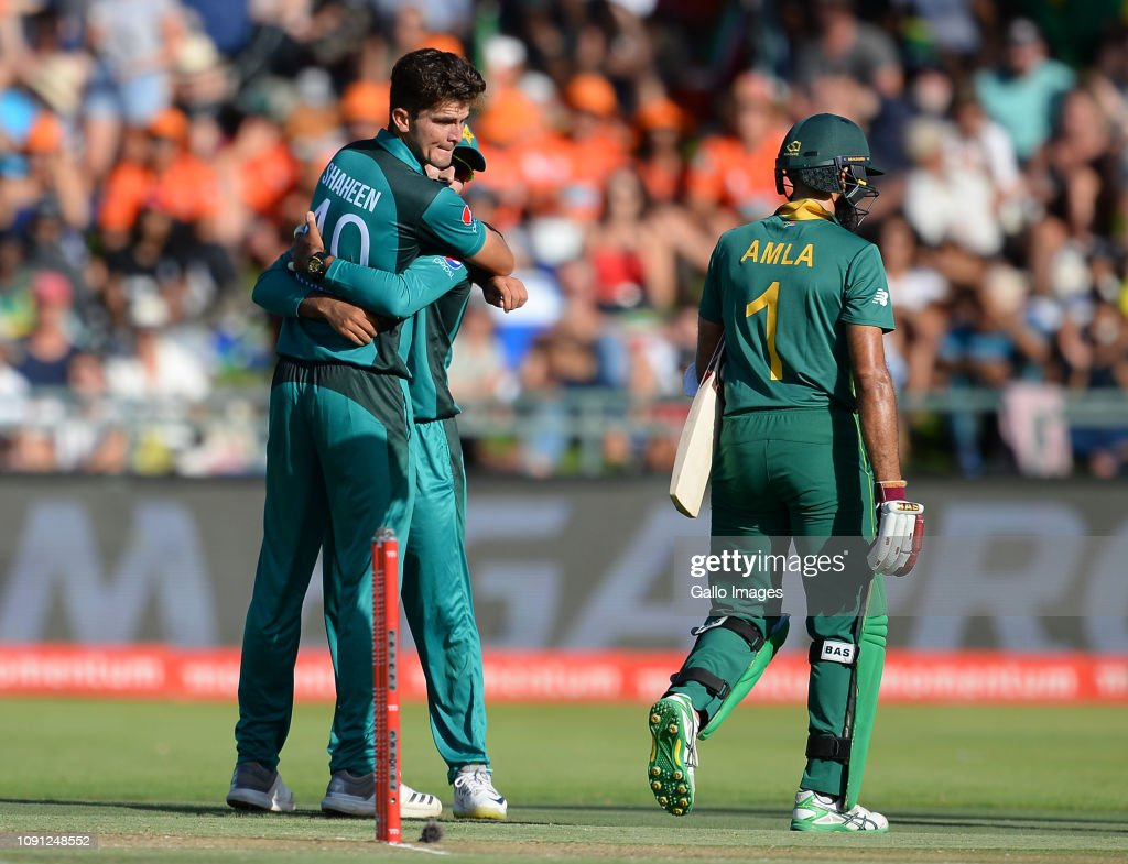 South Africa v Pakistan - 5th One Day International : News Photo