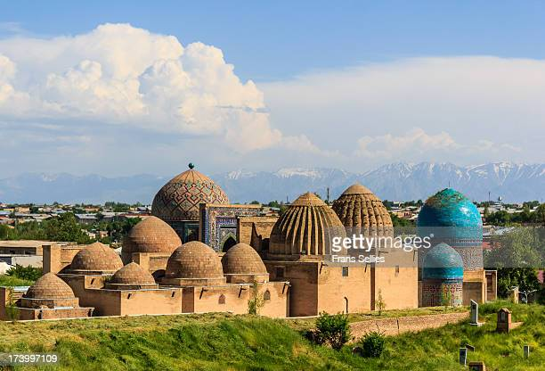 shah-e-zinda, samarkand, uzbekistan - muziek stock pictures, royalty-free photos & images