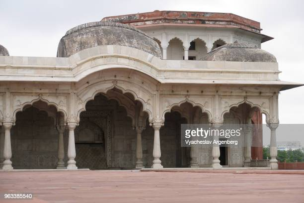 shahi burj (emperor's tower) octagonal tower and pavilion, red fort, delhi, india - argenberg stock pictures, royalty-free photos & images