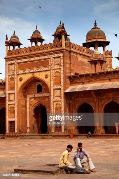 shahi darwaza gateway, jama masjid mosque, agra, india - agra jama masjid mosque stock pictures, royalty-free photos & images