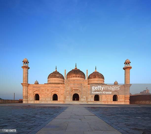 Shahi Mosque, Drawar Fort