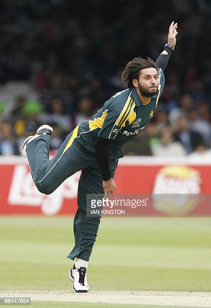 Shahid Afridi of Pakistan bowls against Sri Lanka during the Super 8 stage of the ICC Twenty20 Cricket World Cup at Lords in London on June 12 2009...
