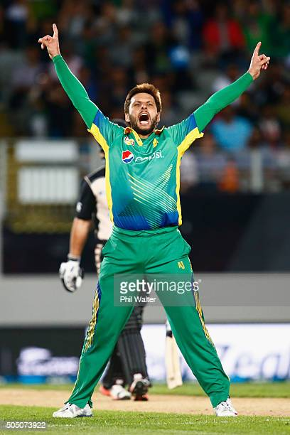 Shahid Afridi of Pakistan celebrates his wicket of Luke Ronchi of New Zealand during the first T20 match between New Zealand and Pakistan at Eden...