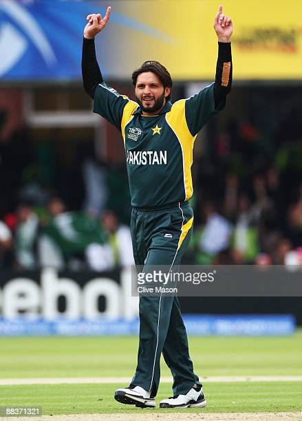 Shahid Afridi of Pakistan celebrates the wicket of Edgar Schiferli of Netherlands during the ICC World Twenty20 Group B match between Pakistan and...