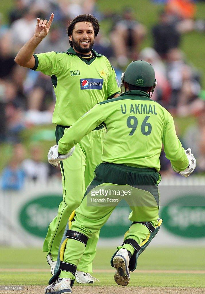New Zealand v Pakistan - Twenty20: Game 2